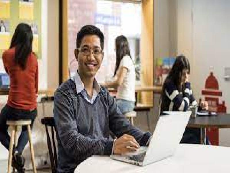 बारावी सायन्स नंतर करू शकता हे  पदवी कोर्सेस, करा या क्षेत्रांमध्ये करिअर