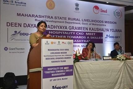 ग्रामीण भागातील युवांसाठी कौशल्य विकासाच्या अमर्याद संधी : आर. विमला