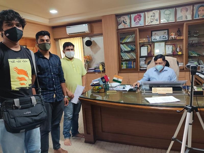 ऍग्रीव्हिजन विदर्भ प्रांत व अखिल भारतीय विद्यार्थी परिषद, अकोला तर्फे मा.कुलगुरू डॉ.पं.दे.कृ.वि.अकोला यांना निवेदन देण्यात आले.